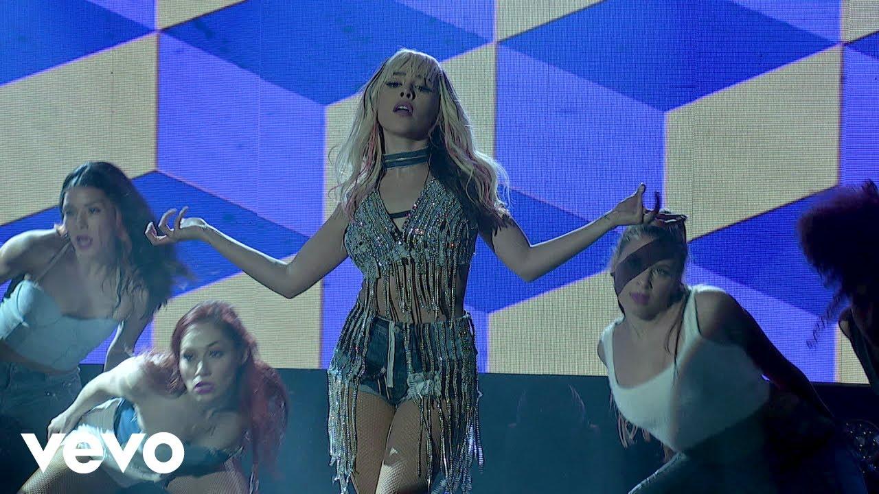 Download Danna Paola - Mala Fama (En Vivo Desde El Streamtime/ LiveStream)