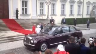 Ankunft der Queen im Schloss Bellevue in Berlin