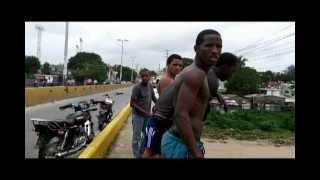 Locos se tiran en el puente de Madre Vieja, San Cristobal, Rio Nigua - Danny Roniel