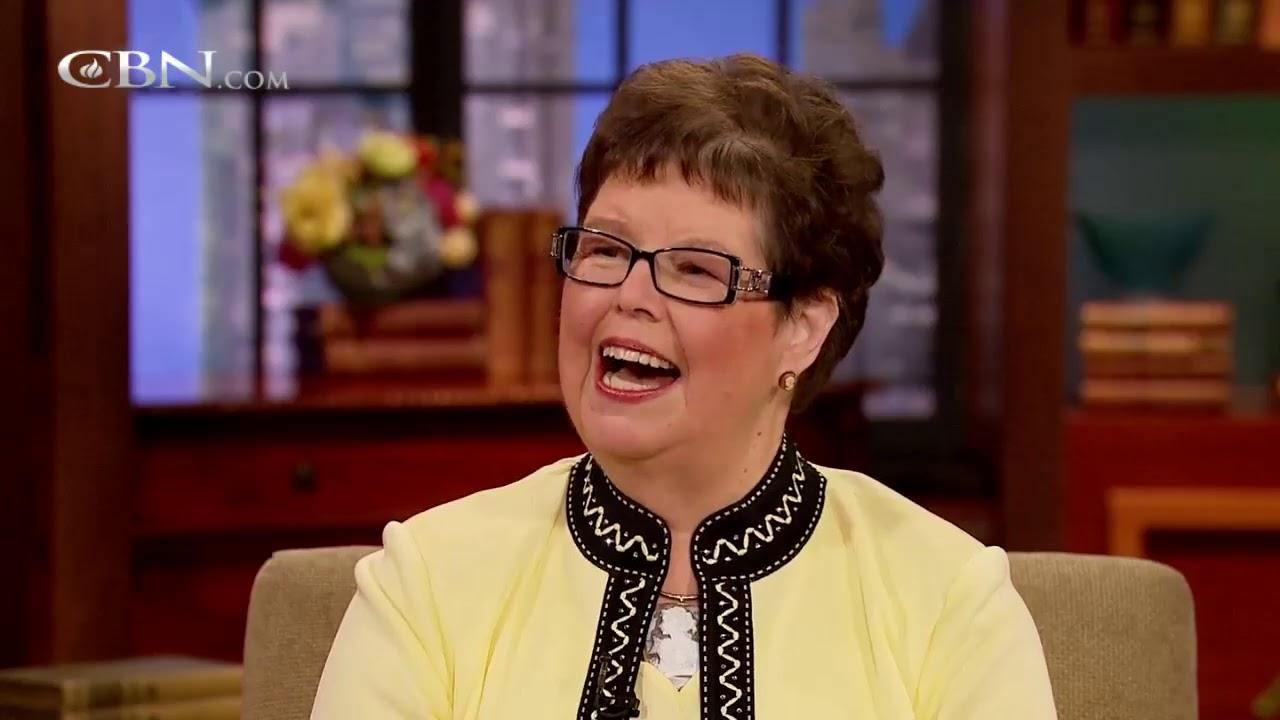 Download Author Debbie Macomber Presents Cedar Cove