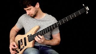 Thunderstruck - AC/DC (Solo Bass Guitar)