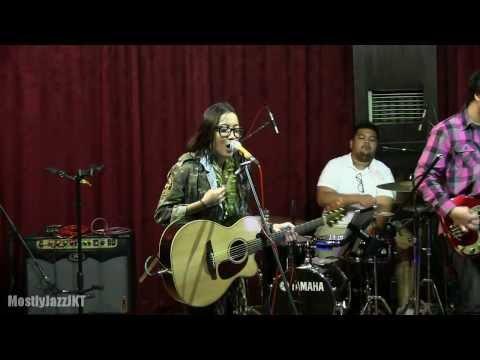 Drew - Tak Sengaja @ Mostly Jazz 21/11/13 [HD]