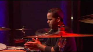 Скачать Yanni Keys To Imagination Live The Concert Event 2006 HQ