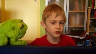 Bauchredner Frank (7) probiert seine Bauchstimmen aus
