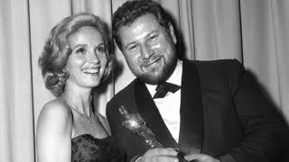 Peter Ustinov winning Supporting Actor for