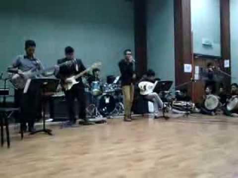UPSI DIP MUSIC Phoenix Bangkit Dari Abu - Shah Rezza
