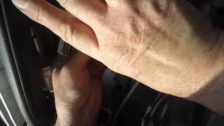 Болтается трубка кондиционера Renault Logan (air conditioner tube)