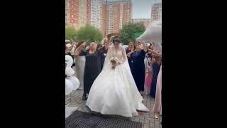결혼식에서의 쟁반노래방