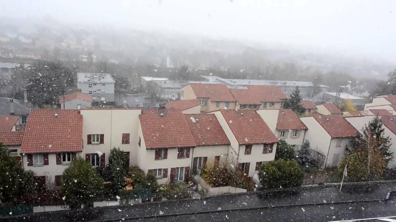 chute de neige clermont ferrand le 21 novembre 2015 youtube. Black Bedroom Furniture Sets. Home Design Ideas