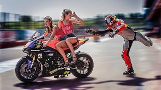 VOLEVANO RUBARMI LA MOTO - RACING IS LIFE EP.22