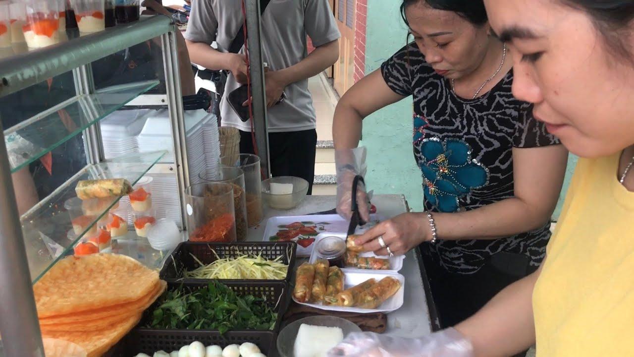 Bánh tráng cuốn Công viên Phú Cường ngon, nổi tiếng và đông khách nhất Bình Dương