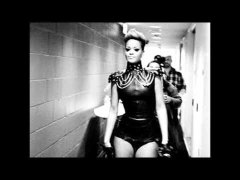 RihAnNa- Russian Roulette ( Live AOL SeSSions)