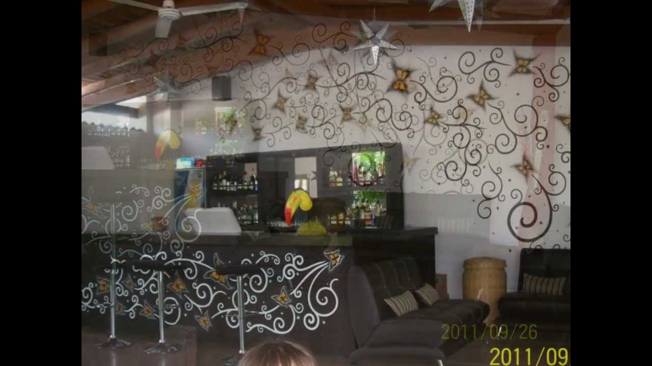 Decoracion de barra de bar youtube for Adornos para bares rusticos