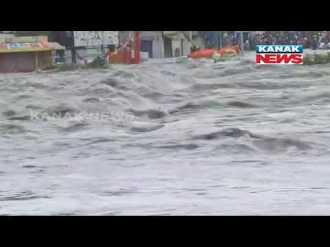 Hyderabad: Musi River Flows Over Chaderghat New Bridge Due To Heavy Rains