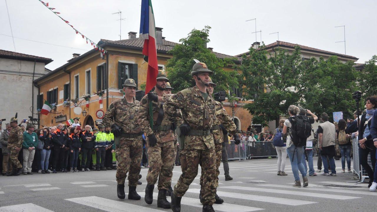 90 ad naz alpini 2017 sfilata bandiera di guerra for Bandiera di guerra italiana