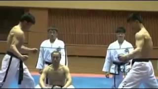 abdullah tekkanat  Müthiş karate gösterisi