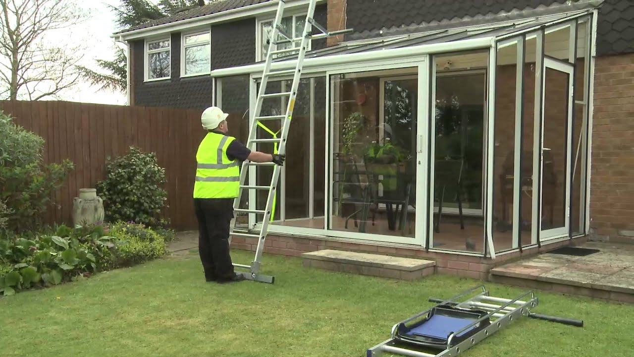 how to clean eaves without a ladder