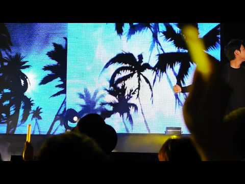 TMax  Almost Paradise @ KPop Heal The World Concert 040611