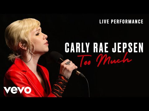 "Carly Rae Jepsen - ""Too Much"" Performance"