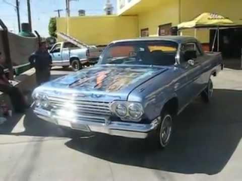 Refaccionarias La Comercial carro oldies en accion - YouTube