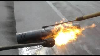 видео Кровельная горелка - правила применения инструмента для ремонта крыши