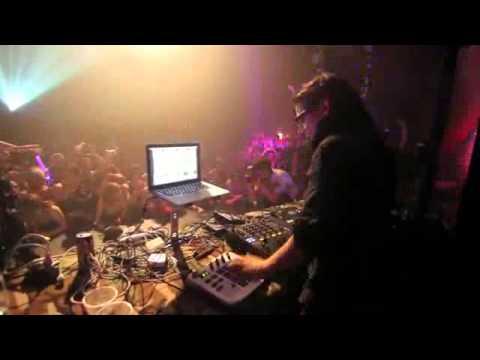skrillex @ champion sound 2011 @ king cat theater   live seattle 360p)