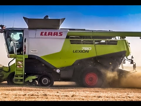 Combine harvester Claas Lexion 780 in ACTION!