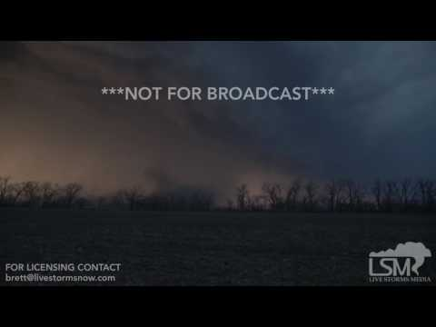 03/06/2017 - Topeka, KS - Tornado Warned storm and lightning