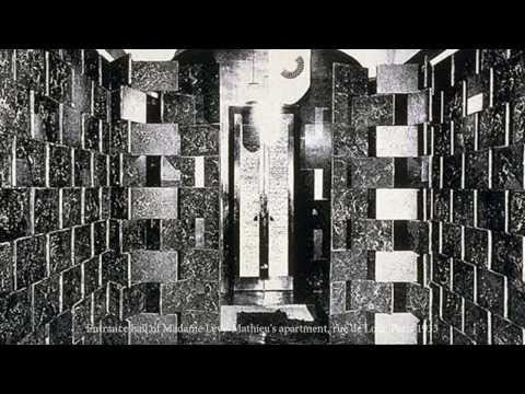 Hand Craftmanship: Lacquer work of the BRICK SCREEN designed by Eileen Gray