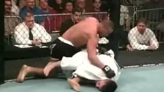 Boxing vs Jiu Jitsu (Full Contact Cage Fight)