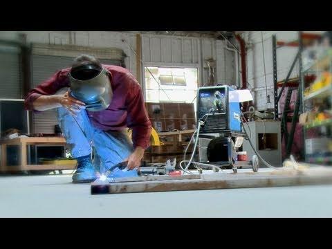 Inside the Maker Scene - Red Bull Creation - 72 Hour Build Off