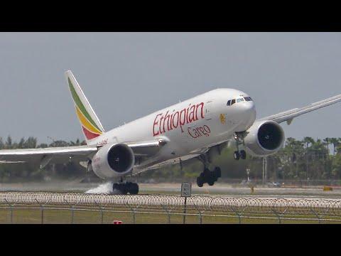 Plane Spotting Ethiopian B777 Loses Control HARD Landing   Miami Int'l Airport