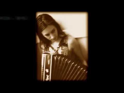 Tarantella -  Dark horse - Lyrics (in Description)