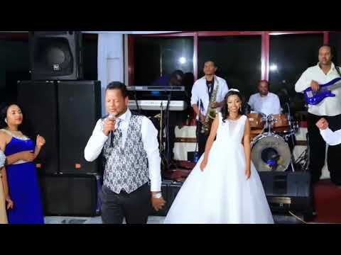 Ethiopian: Groom Surprise His Bride On Their Wedding Teddy Afro Song