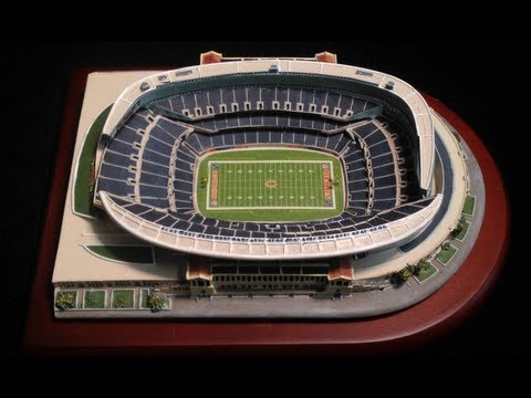 Chicago Bears NFL Stadium Soldier Field Replica by the Danbury Mint