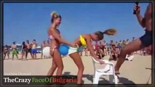 Забавна плажна игра, която не е за малки деца :D