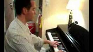 Spanish fnd playing hindi song in piano