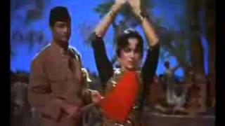 Waheeda Rehman dancing in Guide (1965)