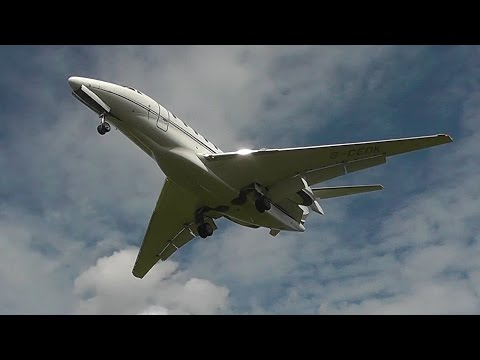 Low! Cessna 750 Citation X landing at RAF Northolt [G-CEDK]