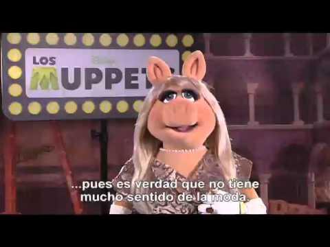 Disney Espaa  Los Muppets Entrevista a La Rana Gustavo y Srta