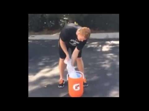 ALS Ice Bucket Challenge - Frederik Andersen