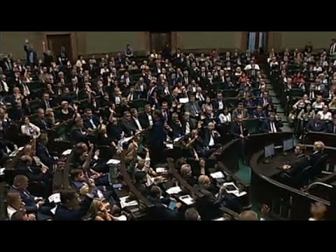 Polish parliament adopts contested Supreme Court reform
