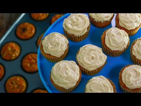 curtis-stone's-incredible-carrot-cake-cupcakes