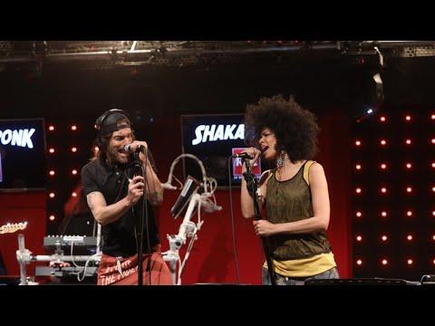Shaka Ponk - Faking Love (LIVE) - #LeDriveRTL2