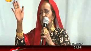 Saynab Cige - walee aniga caashaqa (LIVE)