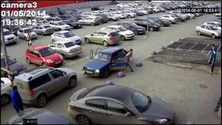 Угон автомобиля и погоня. Камера наблюдения.Police Chase(Парни хотели машину угнать, но их так и не поймали...., 2014-05-16T05:49:06.000Z)