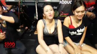 Download Video DANGDUT HOT MESUM   ALL ARTIS HOT MONTOK SEXSI SPPD MP3 3GP MP4