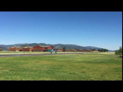 Alpine Airpark, Airplanes Flying In and Out
