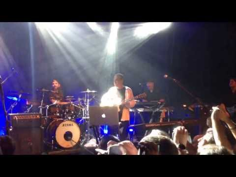 Randy George crazy bass solo (Israel show - Neal Morse)