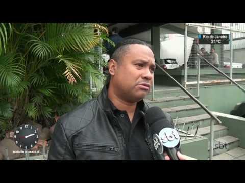 RS: Guitarrista da banda do cantor Robson Souza é enterrado em Santa Maria - SBT Notícias (16/05/17)